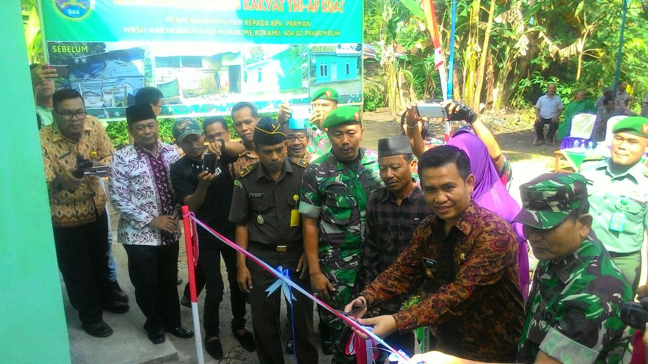 Sumsel Nian Kodim 0404 Muara Enim Serahkan Hasil Bedah Rumah Produk Ukm Bumn Batik Tulis Warna Alam Ra Ampamp